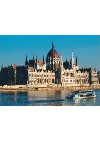 Parlament hajóval